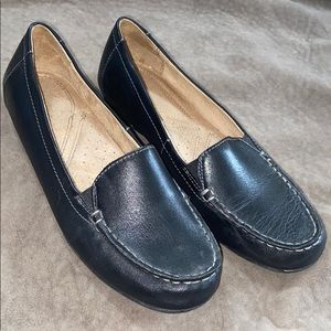 Naturalizer - Women's Black Leather Flats